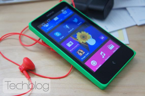 Nokia X DS unboxing TechblogTV