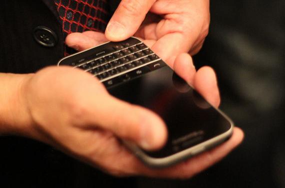 BlackBerry-Classic-03-570