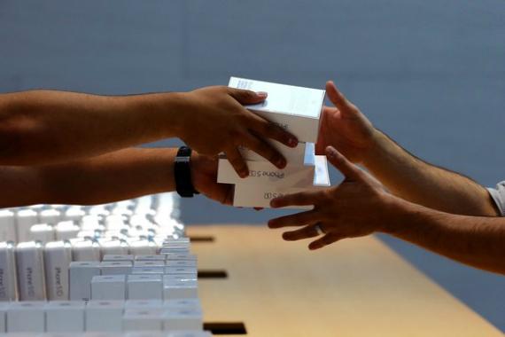iphone-6-orders-570