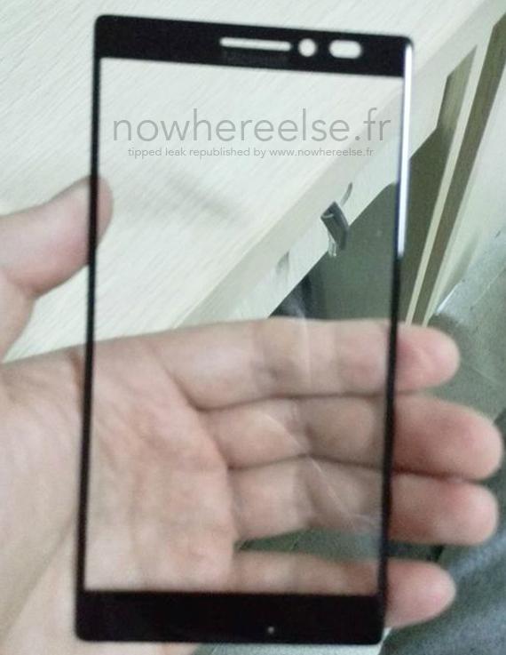 First-Microsoft-Windows-smartphone-570