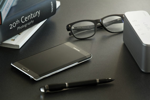 Samsung-Galaxy-Note-Edge-official-07-570