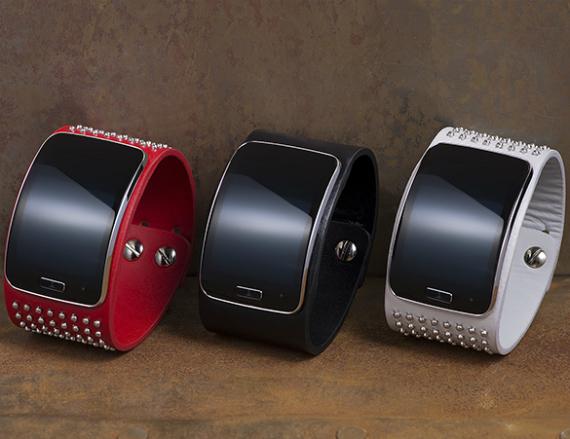 Samsung-Gear-S-Diesel-Black-Gold-Edition-02-570
