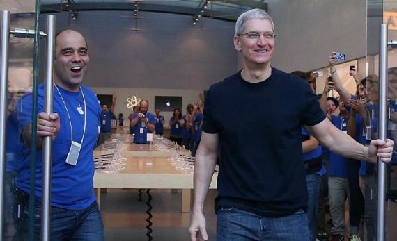 apple-10-million-iphone-6-570