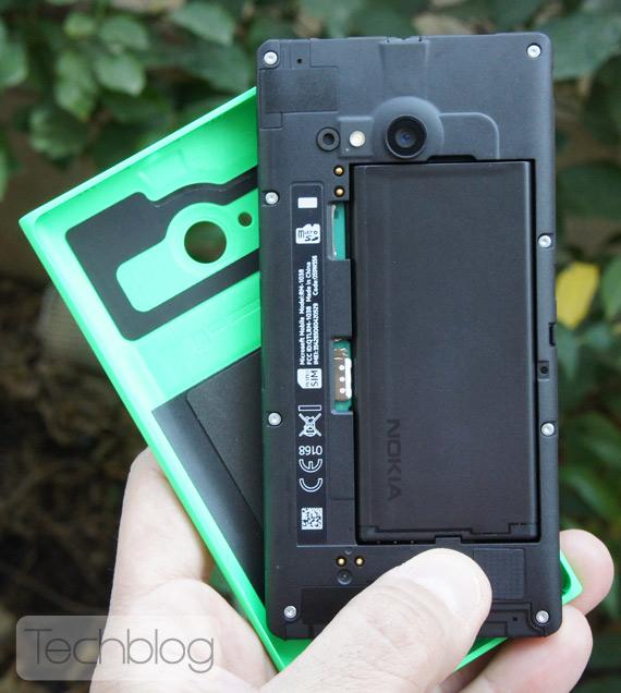 Nokia-Lumia-735-TechblogTV-10