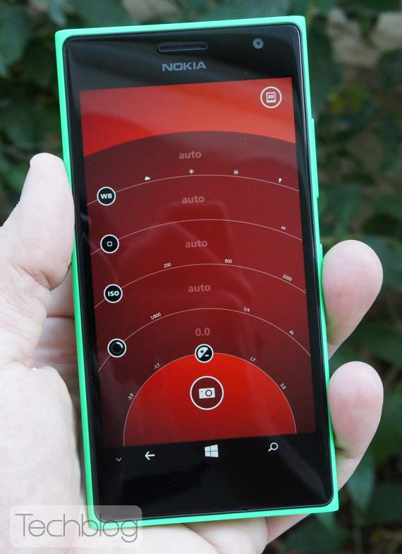 Nokia-Lumia-735-TechblogTV-6