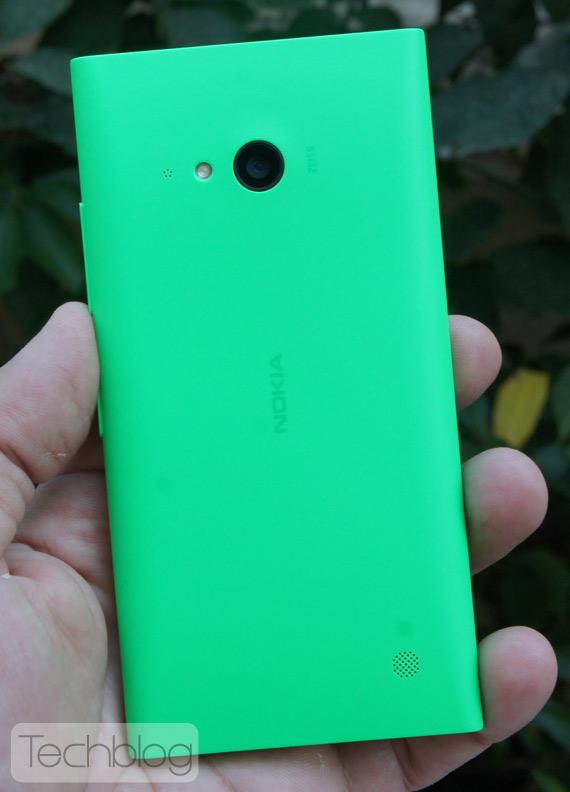 Nokia-Lumia-735-TechblogTV-9