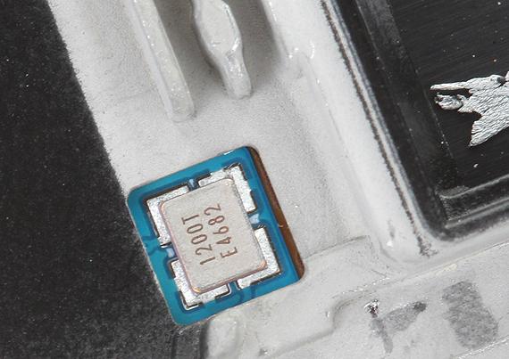 Samsung-Galaxy-Note-4-teardown-06-570