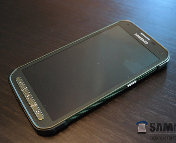 Samsung-Galaxy-S5-Active-leaked-4