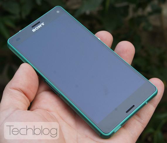 Sony-Xperia-Z3-Compact-TechblogTV-9