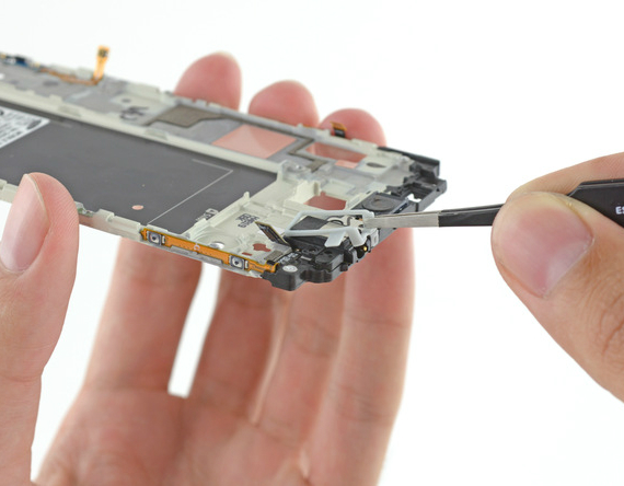 samsung-galaxy-alpha-teardown-15-570