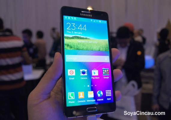Samsung-Galaxy-A7-04-570