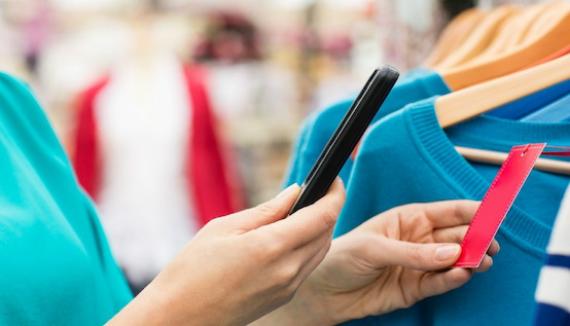 smartphone shopping