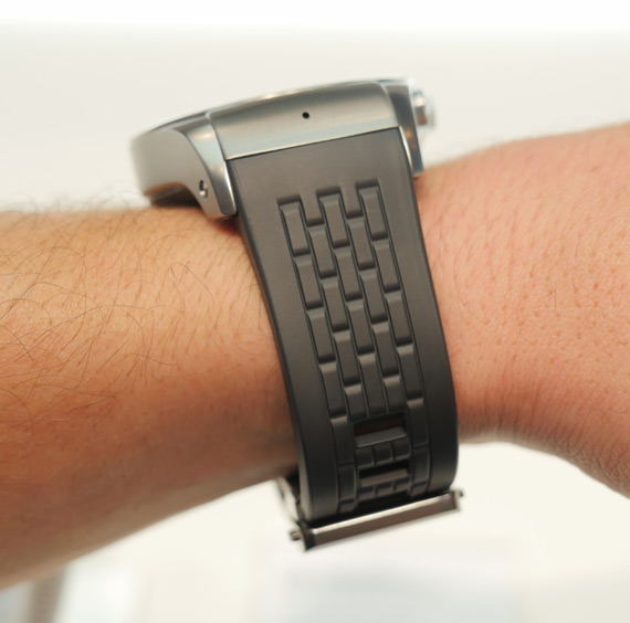 LG-Watch-Urbane-LTE-MWC-2015-4