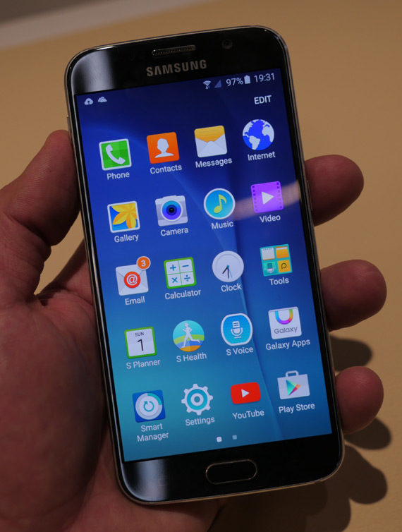 Samsung-Galaxy-S6-mwc-2015-1