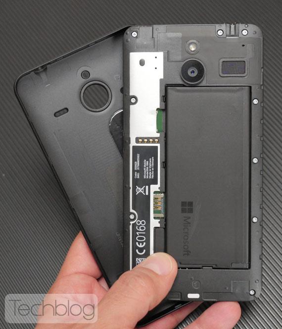 Lumia-640-XL-TechblogTV-6