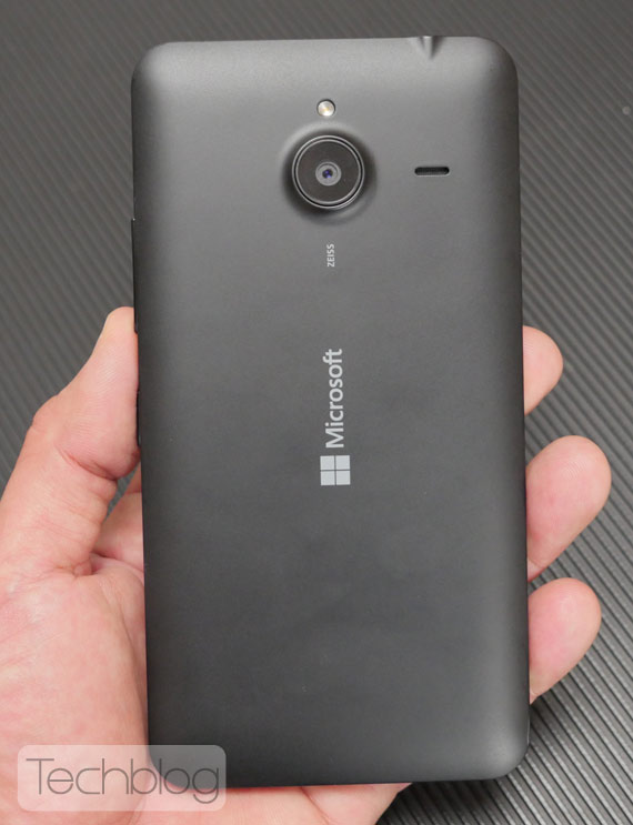 Lumia-640-XL-TechblogTV-7