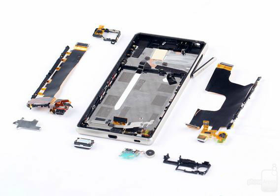 xperia-z3-plus-teardown-08-570