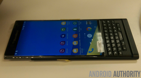 BlackBerry-Venice-leaked-3