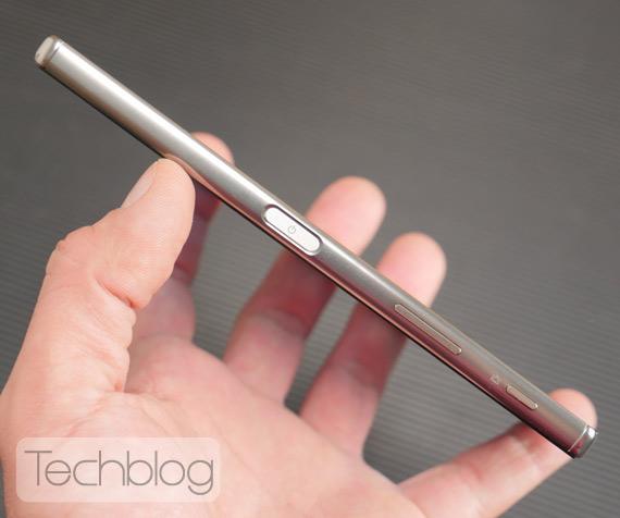 Sony-Xperia-Z5-Premium-TechblogTV-5