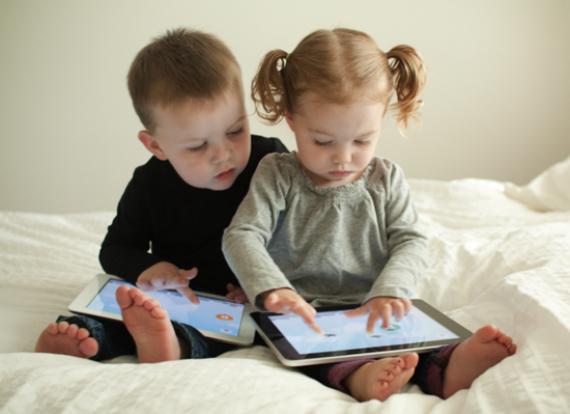 Η υπερβολική χρήση smartphone μπορεί να προκαλέσει αλληθωρισμό στα παιδιά