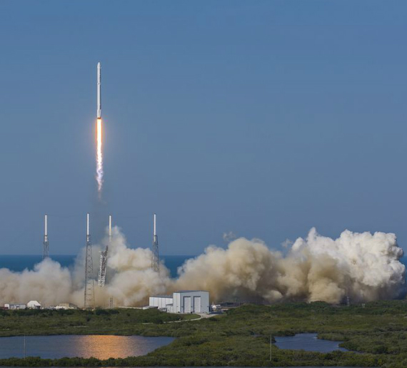 spacex-falcon-9-landing-06-570
