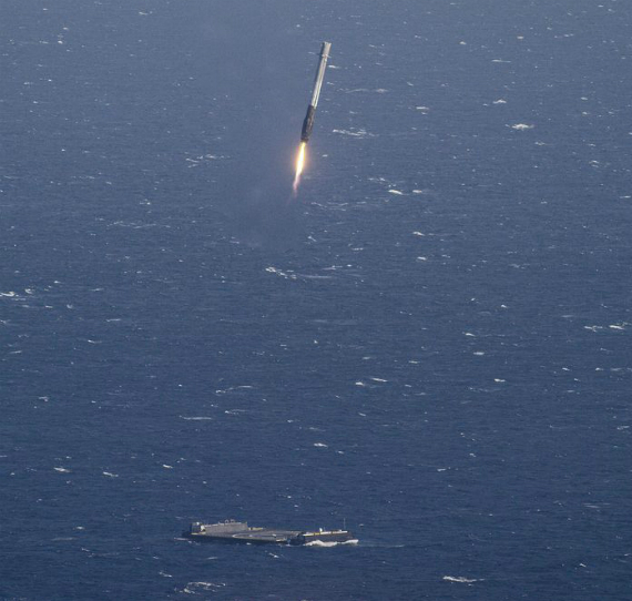 spacex-falcon-9-landing-08-570