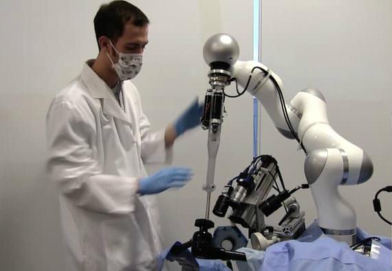 STAR-robot-surgeon-01-570