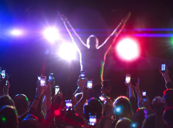smartphones concert