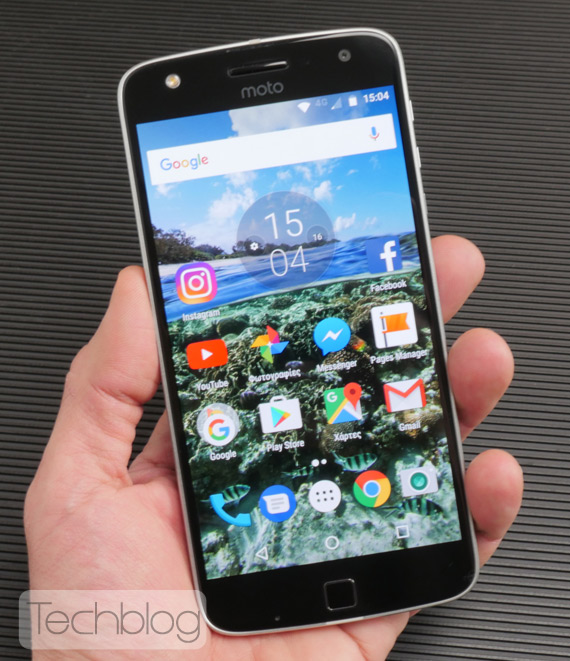 Motorola-Moto-Z-Play-hands-on-TechblogTV-1