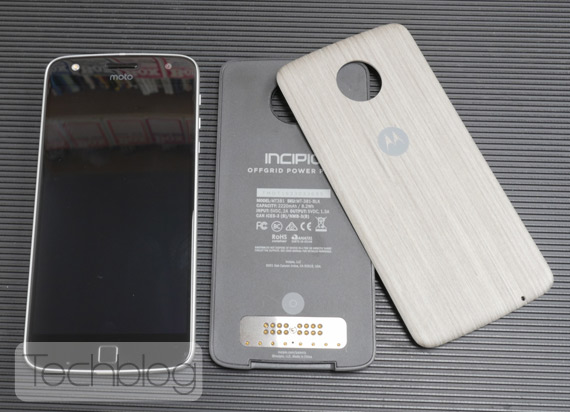 Motorola-Moto-Z-Play-hands-on-TechblogTV-14