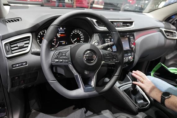 Nissan Qashqai 2017 interior GimSwiss 2017 Geneve