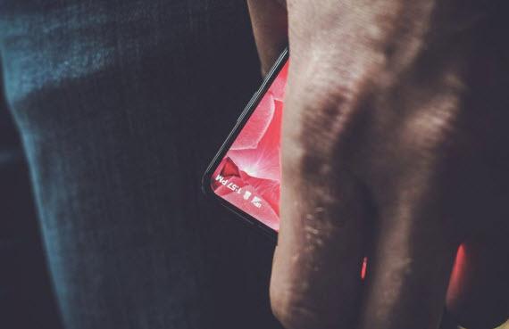 andy rubin teaser phone essential