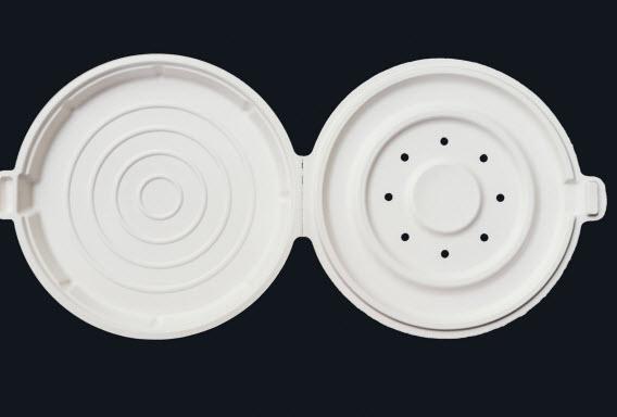Η Apple κατασκεύασε (και πατεντάρισε) ένα σκέυος, για όσους θέλουν να πάρουν την πίτσα τους από το καφέ στο γραφείο τους. Το σκεύος επιτρέπει στον αέρα και την υγρασία να διαφύγει, ώστε η κρούστα θα διατηρείται τραγανή.