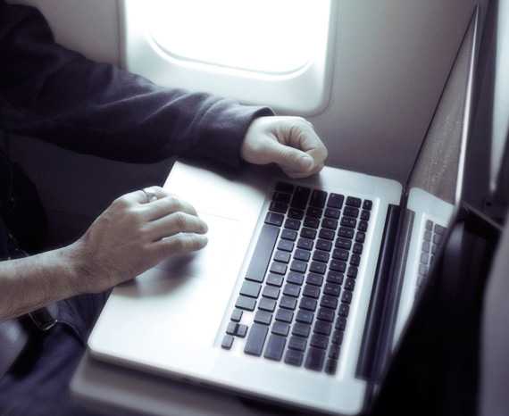 flight-laptop-air