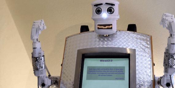 Το Ρομπότ ιερέας δίνει ευλογίες σε 5 γλώσσες