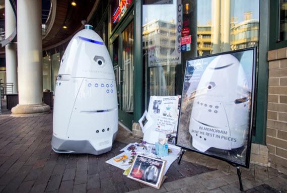 Μνημείο για το ρομπότ αστυνομικό που πνίγηκε
