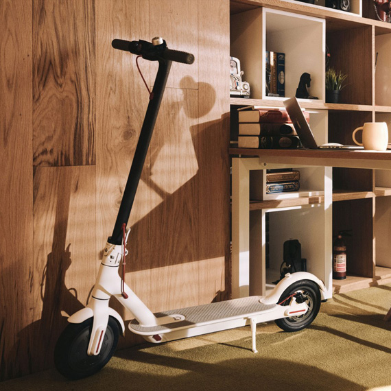 XIAOMI-365-electric-scooter-lifestyle