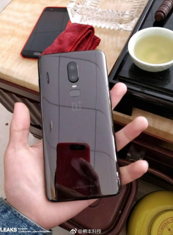 oneplus 6 leaked live photo 2