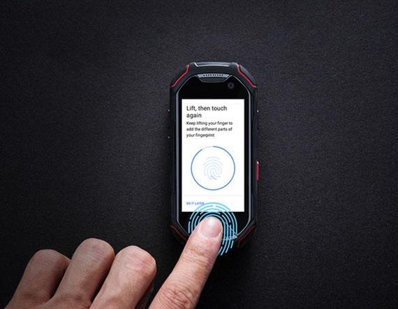 Atom: Αυτό είναι το μικρότερο rugged smartphone στον κόσμο [crash test video]