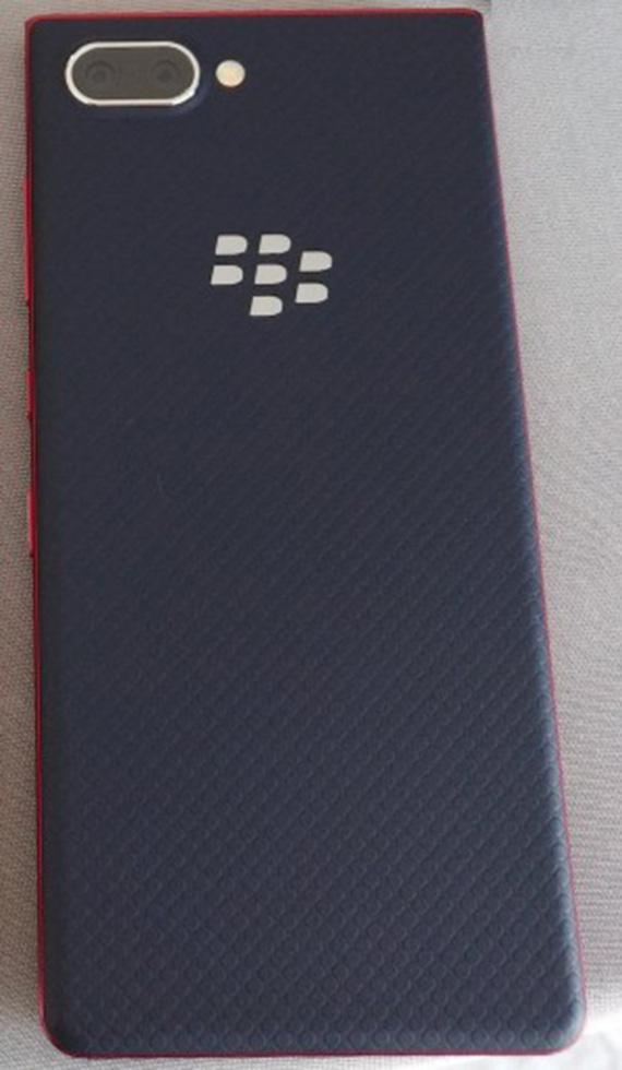 blackberrykey2LE