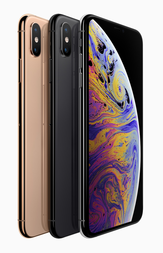 iPhone Xs line up