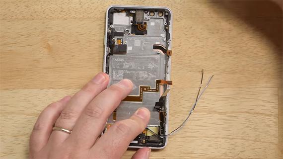 Teardown του Pixel 3 XL δείχνει οθόνη κατασκευής Samsung και κύρια κάμερα από τη Sony