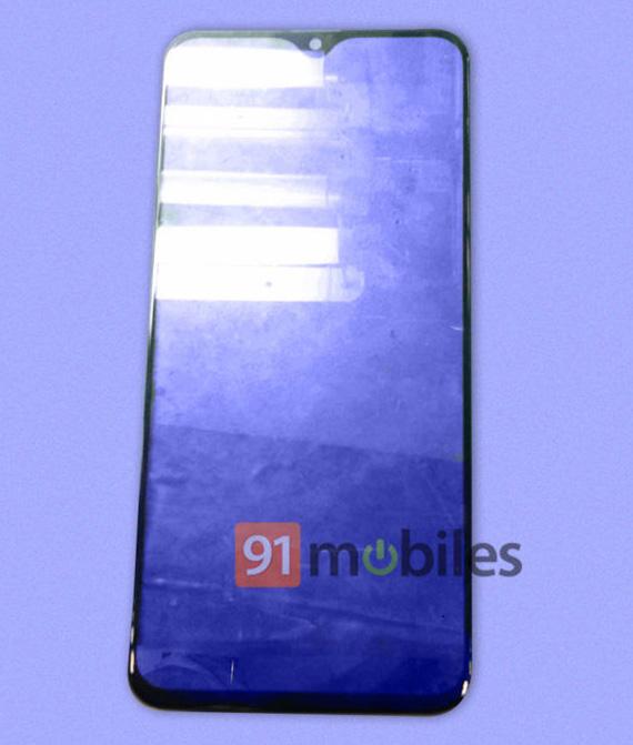 Φωτογραφία δείχνει waterdrop notch στην οθόνη του Galaxy M20
