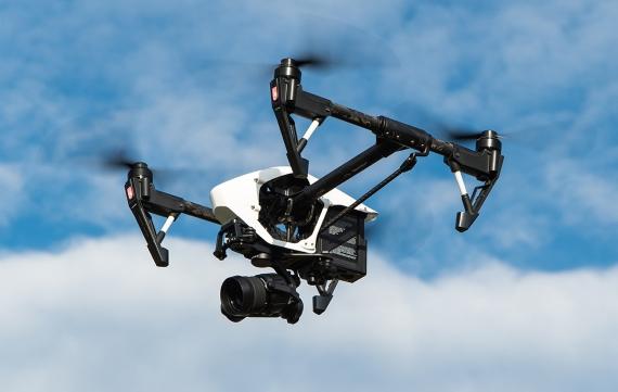 """Τα DJI Drones θα """"φοράνε"""" αλεξίπτωτο για προστασία από πτώση."""