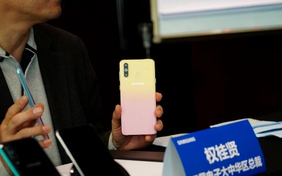 Samsung Galaxy A8s FE 2 570px