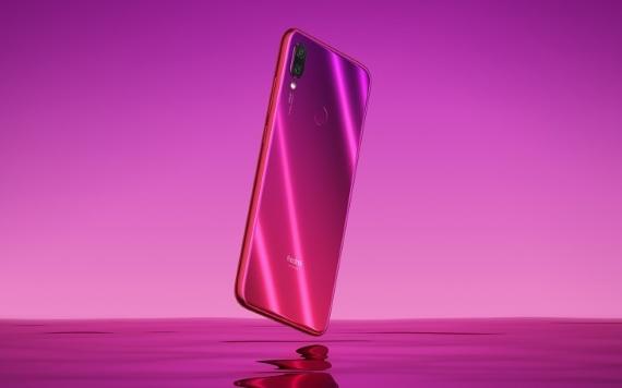 pink redmi 570px