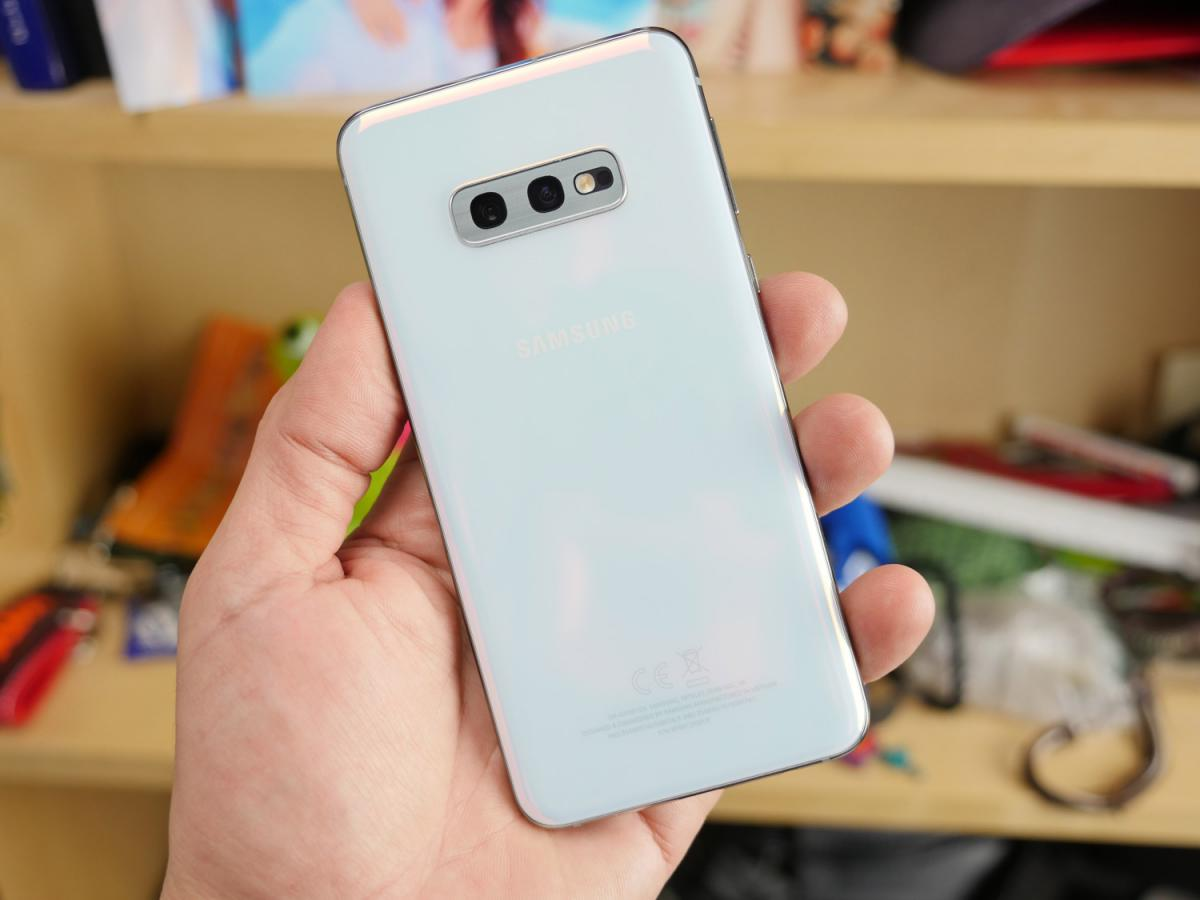 Samsung Galaxy S10e ελληνικό hands-on review