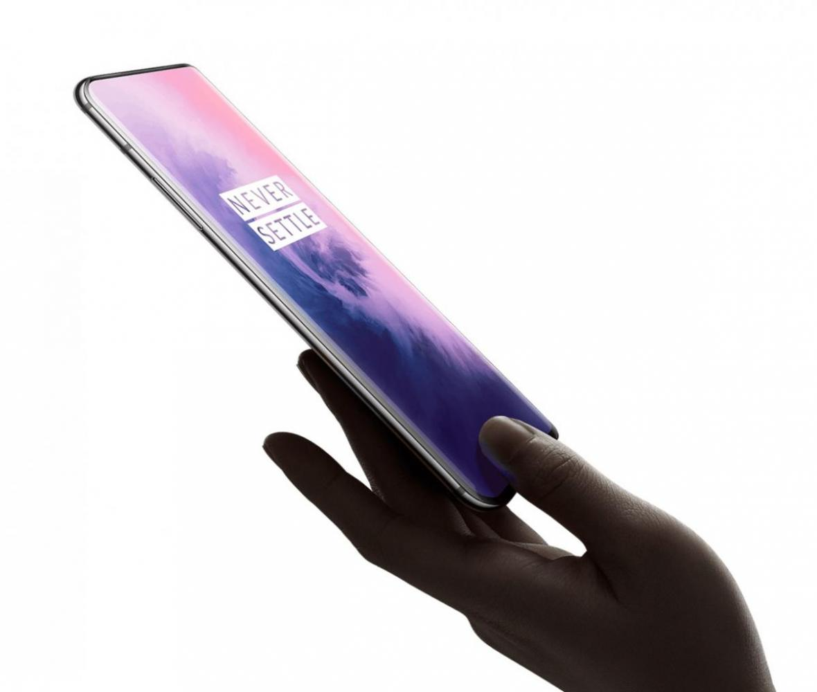 OnePlus 7 Pro: Επίσημα στην Ελλάδα με τιμή 899 ευρώ
