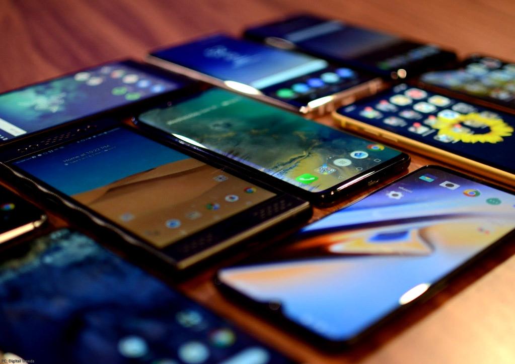 Ανακατατάξεις στην ελληνική αγορά smartphones τον Φεβρουάριο