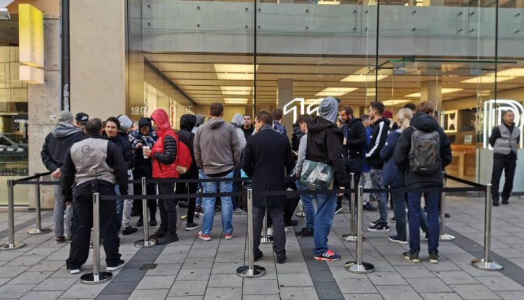 iPhone 11 Lines